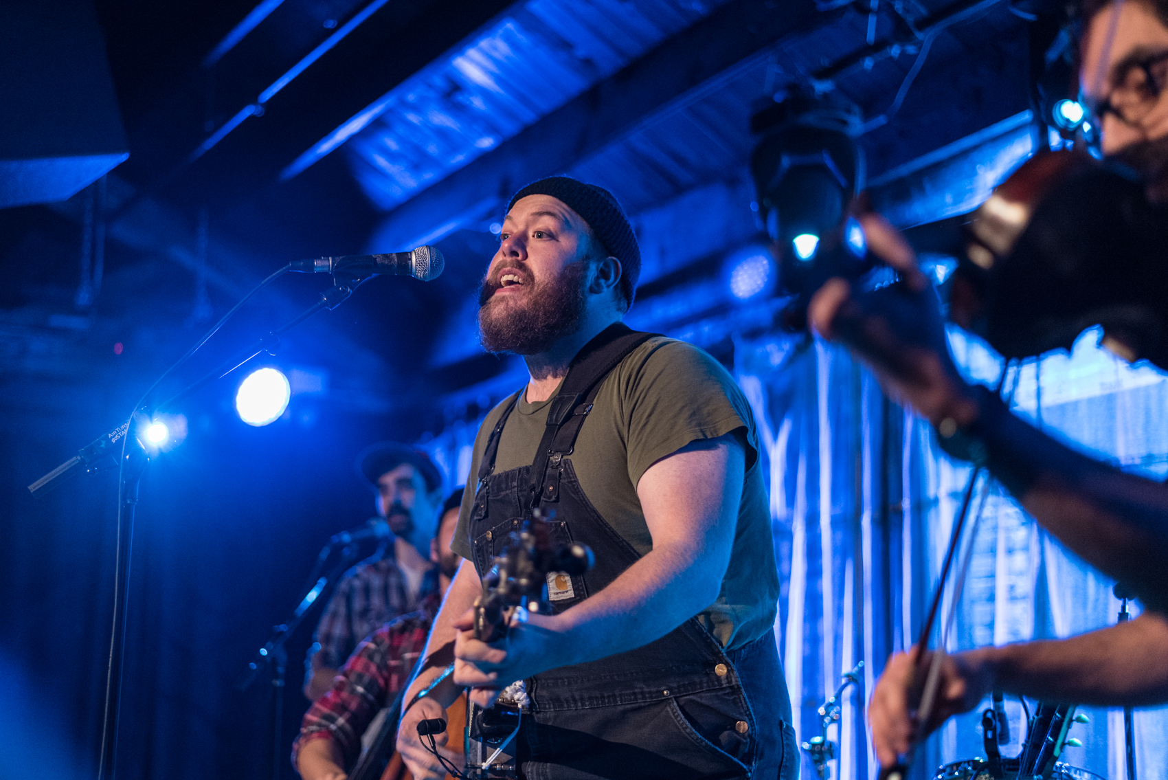 Al Scorch onstage at SPACE Evanston Feb 11 2018 with Tyler Childers Photo by Victoria Sanders